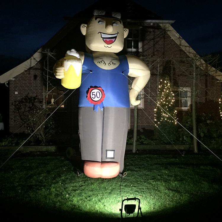 opblaaspop met verlichting huren