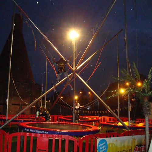 bungee trampoline kerstattractie