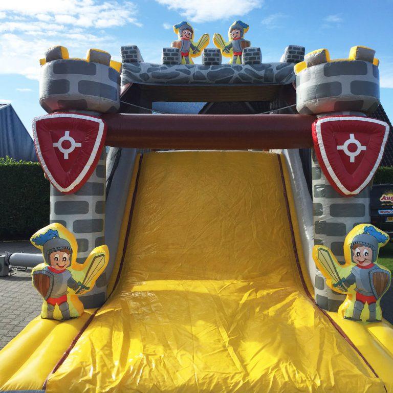 glijbaan stormbaan kasteel