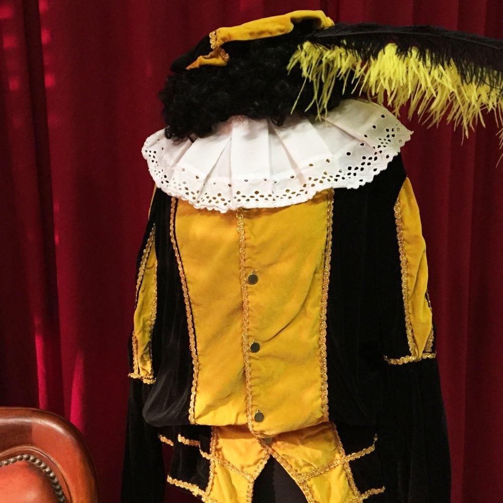 Pietenpak M geel/zwart