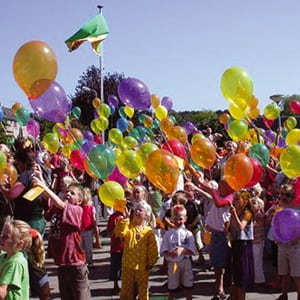 Heliumballon door Augie gevuld