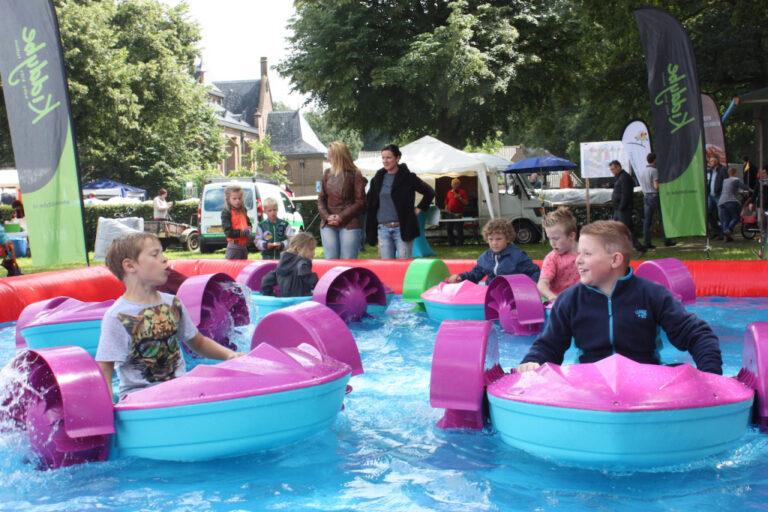 zwembad met bootjes huren kindvriendelijk waterspel zwolle dedemsvaart