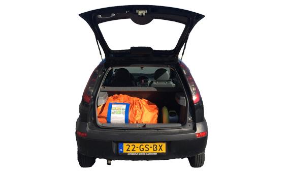 Opblaaspop past in de kofferbak van iedere auto