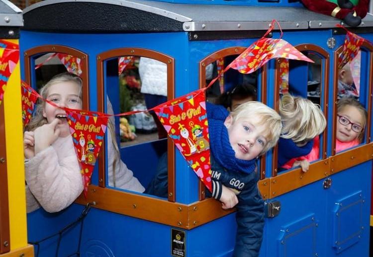 Mini Express Kindertrein huren intocht Sinterklaas